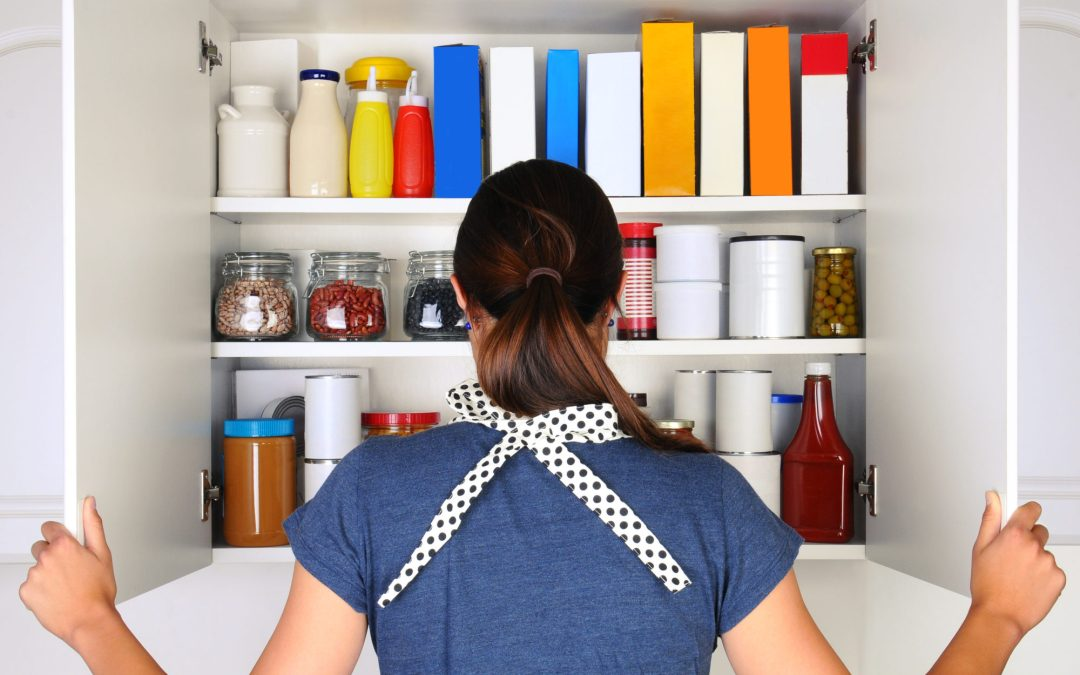 31 Day Tidy-Your-Life Challenge DAY 10- Purge Your Pantry