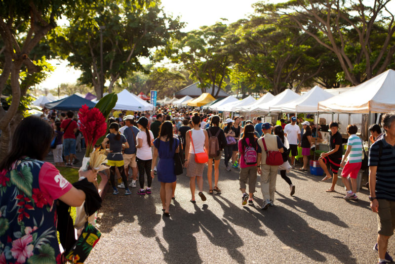 KCC Farmers Market. Photo Credit: Hawaii Tourism Authority (HTA) / Dana Edmunds