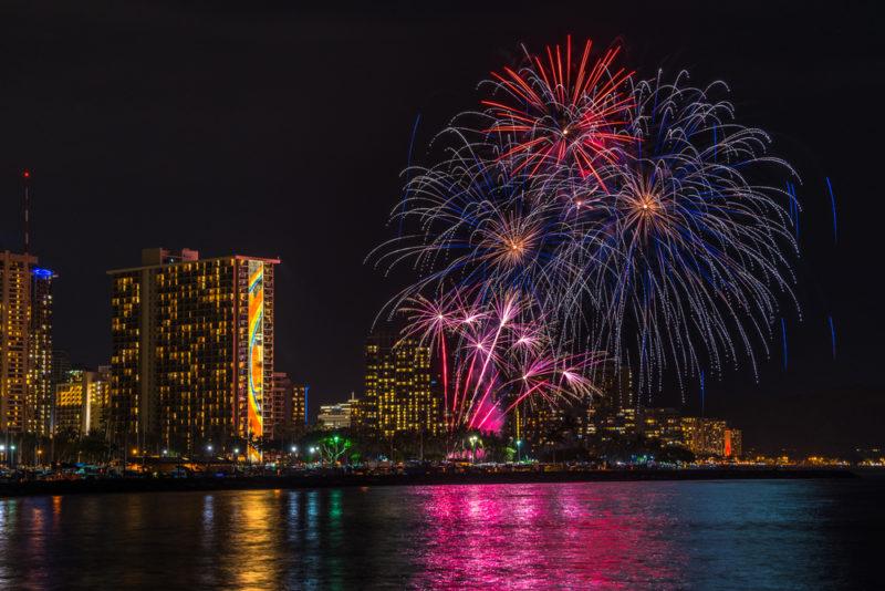 Friday fireworks in Waikiki | Phillip B. Espinasse / Shutterstock.com