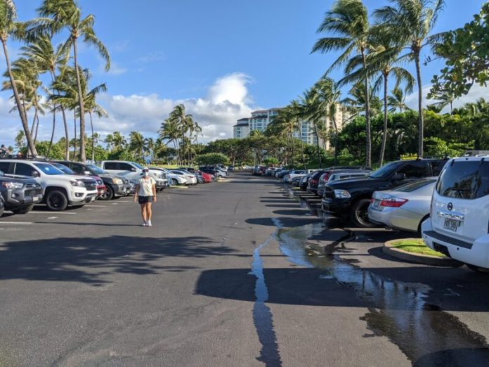 The Lagoon 4 parking right before 8 AM on a Saturday morning (May Day/Lei Day) was completely packed.