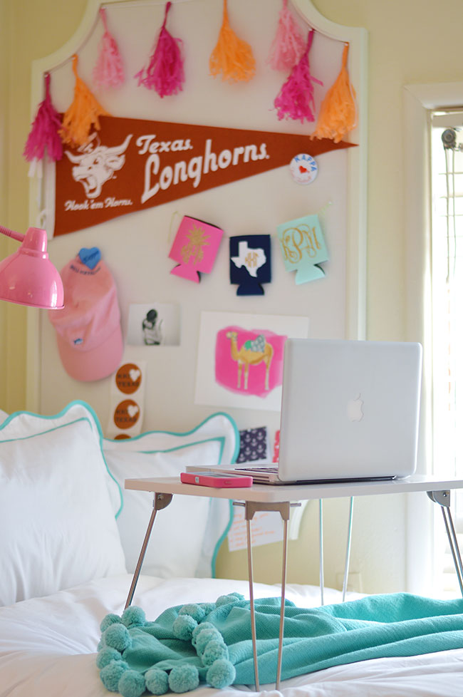 sorority house, how to decorate a dorm room, preppy dorm room, cute dorm room decoration tips, cute dorm room decoration, interior design, southern dorm room, cute dorm room
