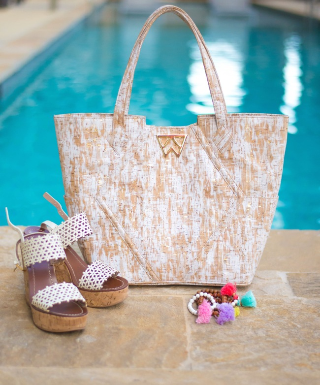 kelly wynne, paint the town, tote, tory burch floral wedges, white wedges, pom pom bracelets, thin hoop earrings, kendra scott necklace, spring break style