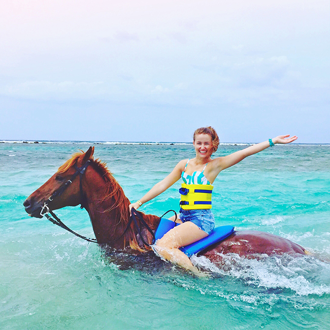 cruise style, what to wear on a cruise, cruise outfits, royal caribbean, navigator of the seas, prettiest cruises, chukka horseback ride and swim, horseback riding in the ocean