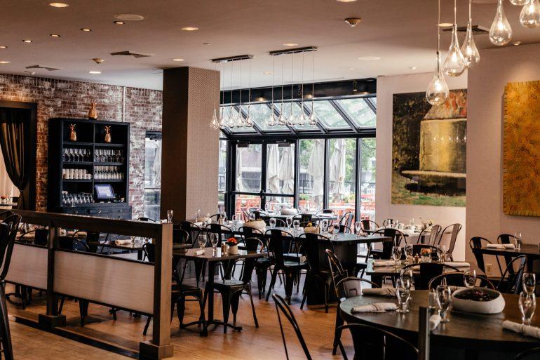 Art Bar at The Royal Sonesta Hotel in Boston via A Lo Profile's Boston Travel Guide