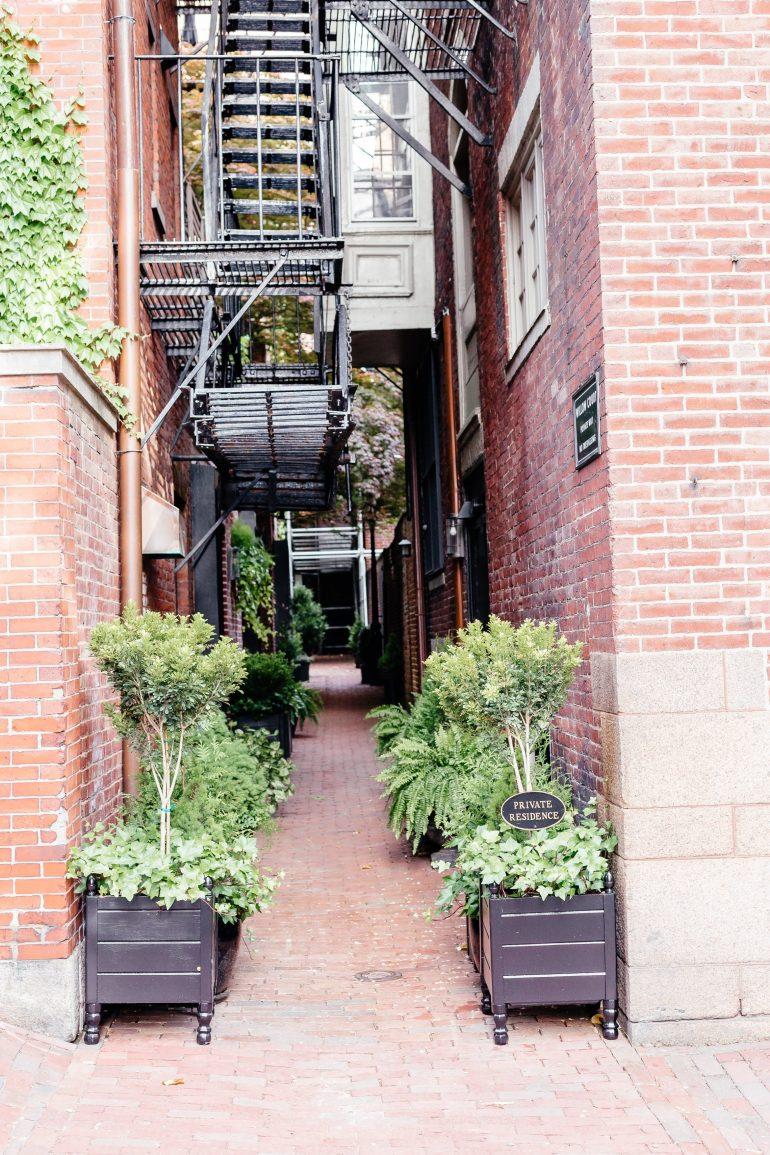 Boston streets in Beacon Hill via A Lo Profile's Boston Travel Guide