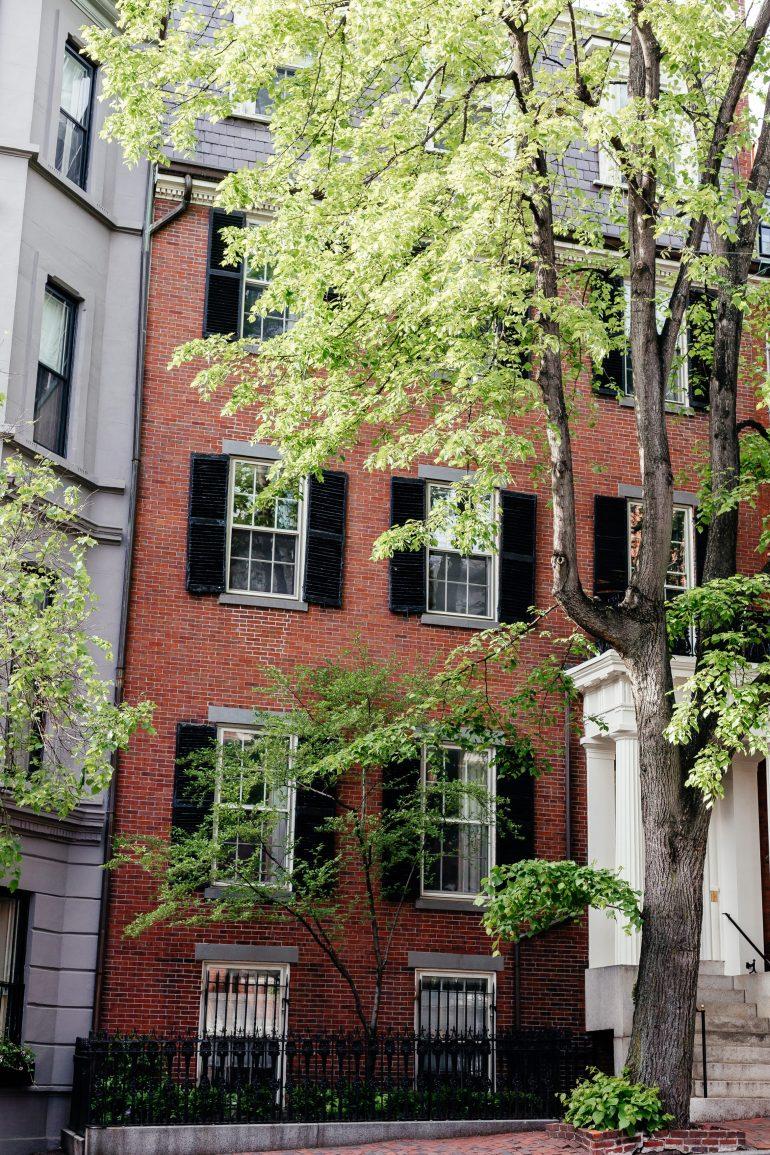 Homes in Beacon Hill in Boston via A Lo Profile's Boston Travel Guide
