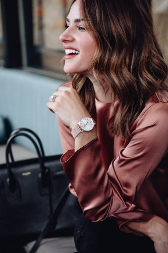 Sharing a beautiful rose gold watch, why being on time is so important, and how to stay on time and on trend with this new watch collection.