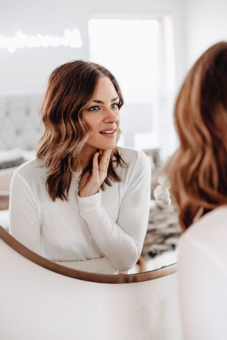Sharing a salt facial review from my recent experience at Enlighten MD + answering some FAQs and details about a salt facial.
