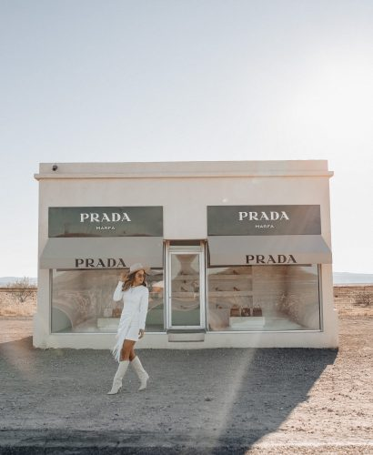 Sharing my Marfa travel guide featuring where to stay, eat, & what to do when visiting the small town of Marfa,Texas in far West Texas.