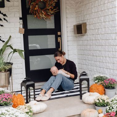 Sharing some affordable fall front porch decor from Walmart to help you all get your front porch festive for this season without breaking the bank.