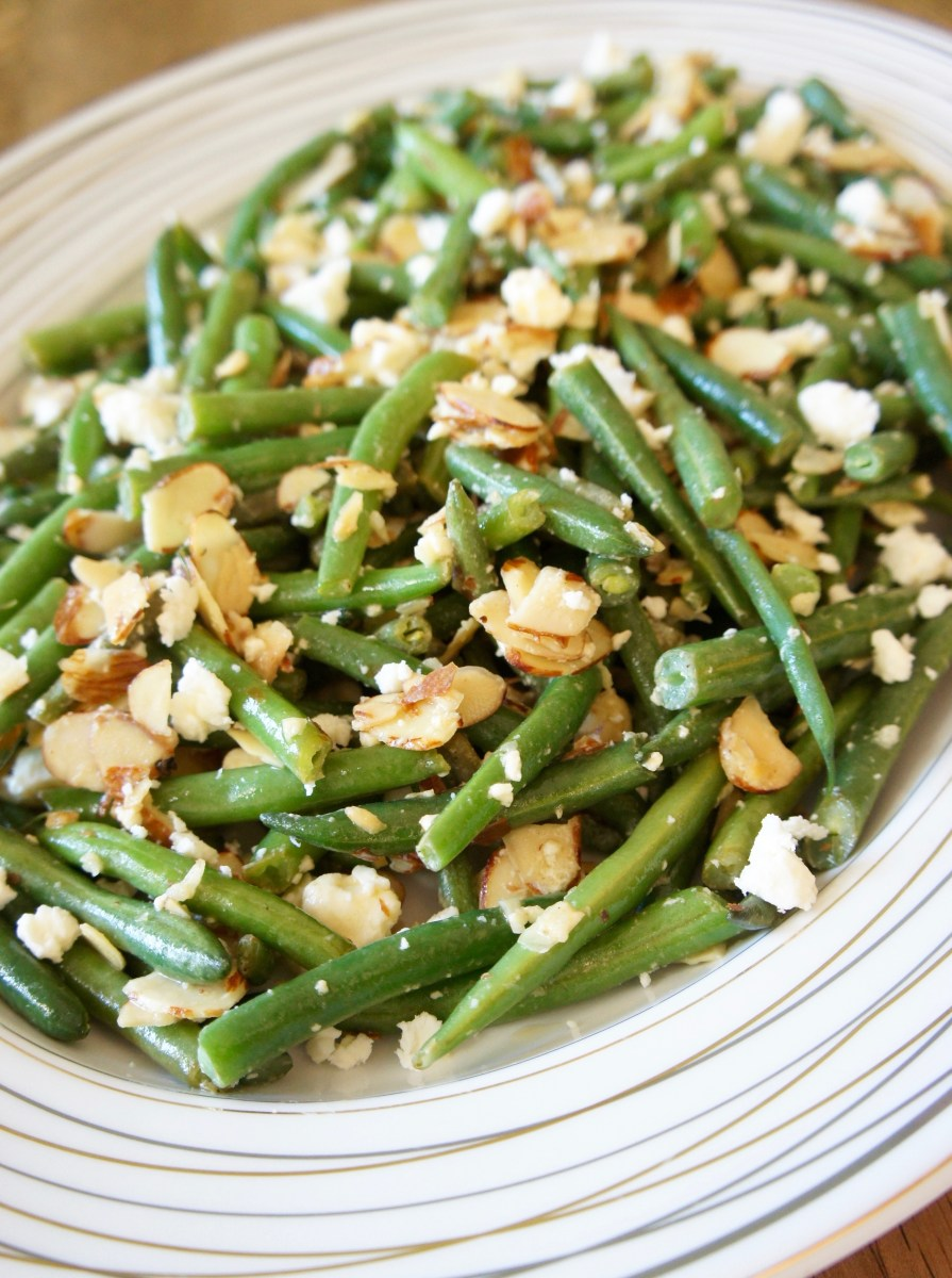 Lemony Green Beans with Almonds and Feta