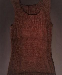 dunkelbraunes traegershirt