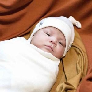 bonnet en mérinos nouveau-né vanille