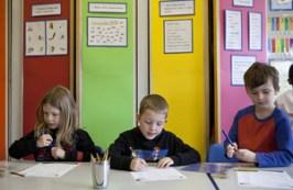 Children_working_at_desks