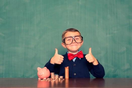 Как сформировать правильное отношение к деньгам у детей: 6 принципов