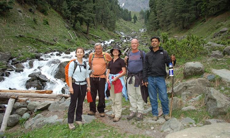 Pahalgam aru valley day hiking tour