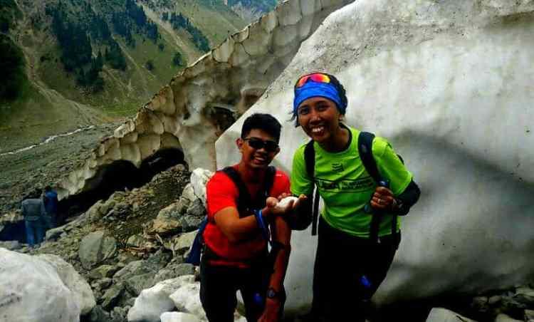 Sonamarg Tajwais glacier hiking tour