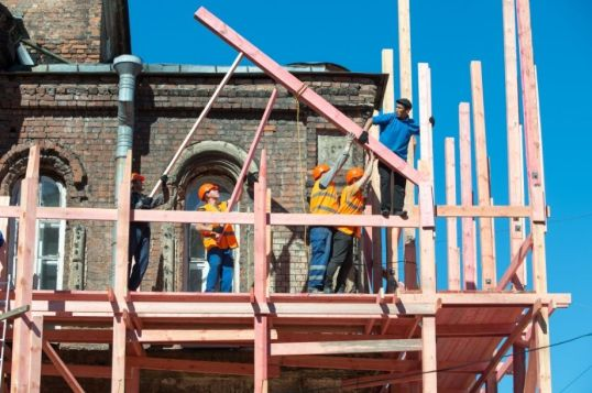 Реставрация памятников и храмов