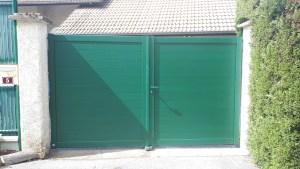Portail 2 vantaux vert mousse Champ Pré Froges
