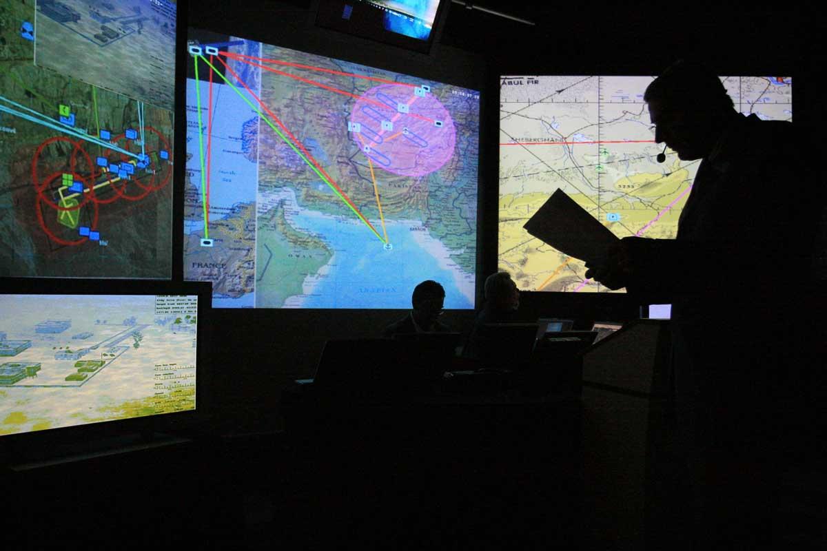 silhouette ecran centre de controle reportage alpix photo
