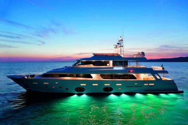 Yacht Honeymoon (7)