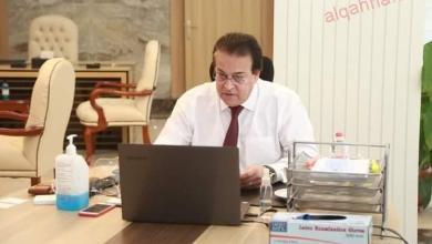 صورة عبد الغفار يستعرض تقريرًا حول تنفيذ مسابقة بين الجامعات لاختيار فريق يمثل مصر في مسابقة Enactus العالمية