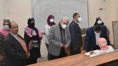 صورة رئيس جامعة الفيوم يستقبل لجنة متابعة اختبارات القدرات التابعة للمجلس الأعلى للجامعات