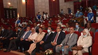 صورة رئيس جامعة الأقصر يشارك في ختام ملتقى السلامة والصحة المهنية الأول بالأقصر