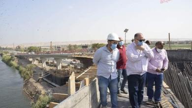 صورة محافظ أسيوط يواصل جولاته الميدانية بتفقد أعمال تنفيذ مشروع كوبري المدخل الشمالي العلوي بمنقباد