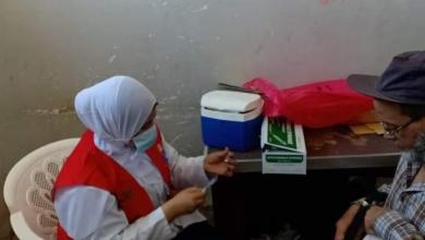 صورة استمرار متابعة حملة التطعيم ضد فيروس كورونا بمركز شباب مدينة شبين القناطر