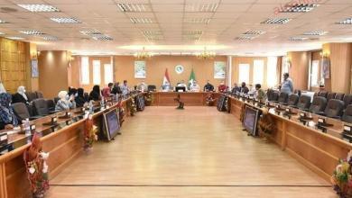 صورة محافظ الشرقية يلتقي بالمواطنين و يأمر بتوفير وظائف بالقطاع الخاص للباحثين عن العمل