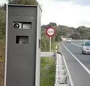 ¿Qué multa te ponen si pasas a 130 en un radar de 120 km/h?