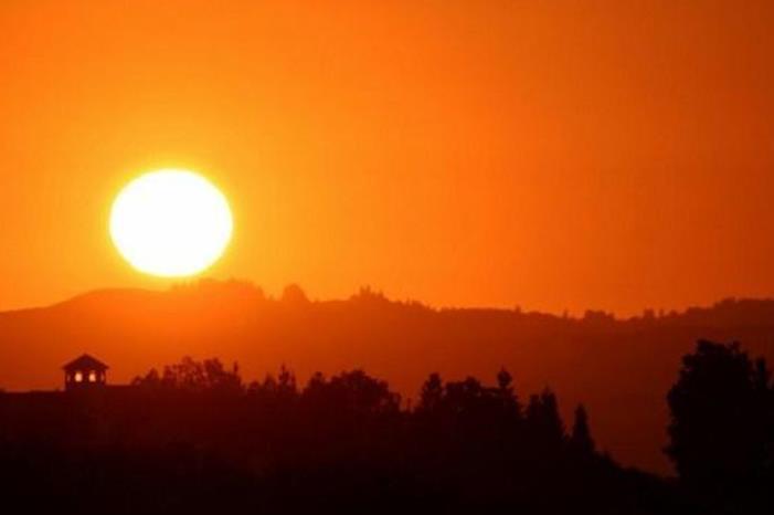 الأرصاد تعلن موعد انحسار الكتلة الهوائية الحارة عن المملكة