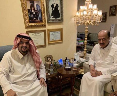 عبدالعزيز بن فهد يزور الأمير عبدالإله بن عبدالعزيز صور