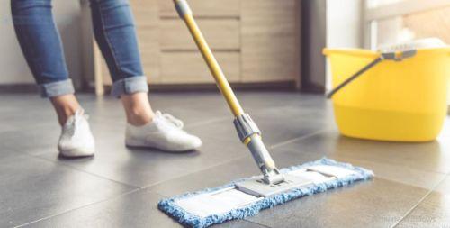 تفسير حلم تنظيف بيت الميت في المنام