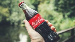 تفسير حلم كسر زجاجة الكوكاكولا والبيبسي في المنام