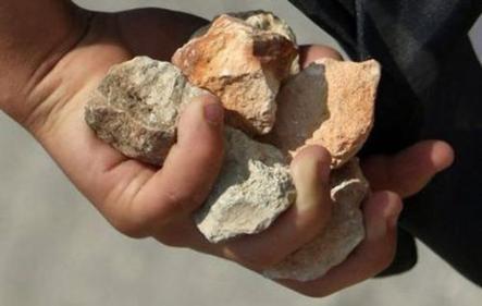 تفسير حلم الرجم بالحجارة في المنام