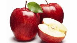 تفسير اكل التفاح الأحمر في المنام للعزباء