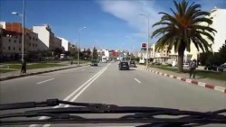 حلم عبور شارع به سيارات في المنام
