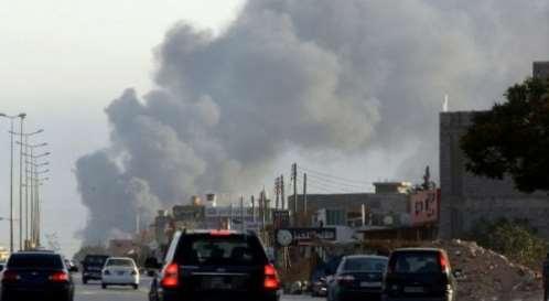 تصاعدة اعمدة الدخان من قاعدة الديلمي بعد القصف-صنعاء