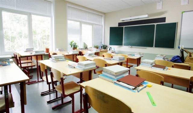 بيانٌ هام من المدارس الخاصة بشأن إفادات النجاح والأقساط