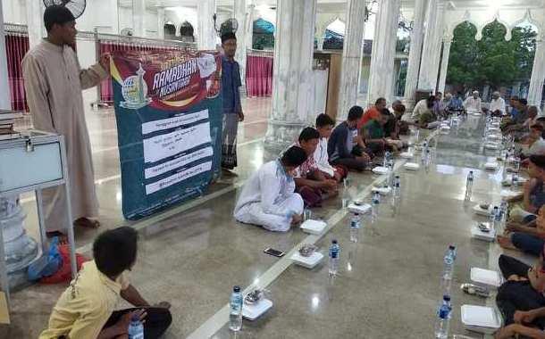 Al-Sofwa Gelar Buka Puasa Bersama di Desa Tanoh Anoe dan Jangka Mesjid Bireuen NAD