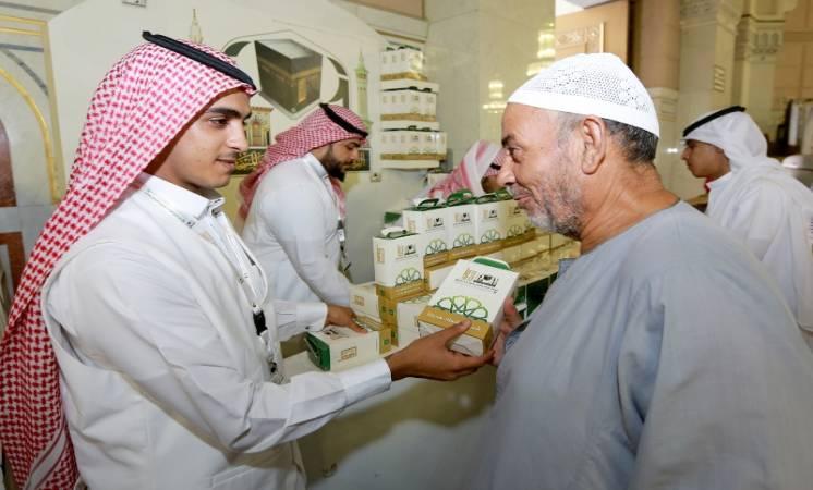 رئاسة الحرمين تطلق برنامج الرسائل التوعية في الحج بعدة لغات