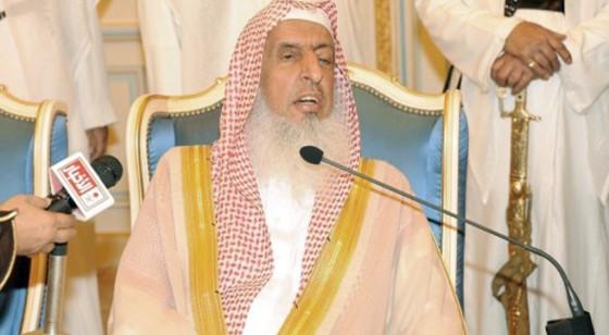 المفتي: جهود وزارة الداخلية اندفع بها كثير من الشر والبلاء