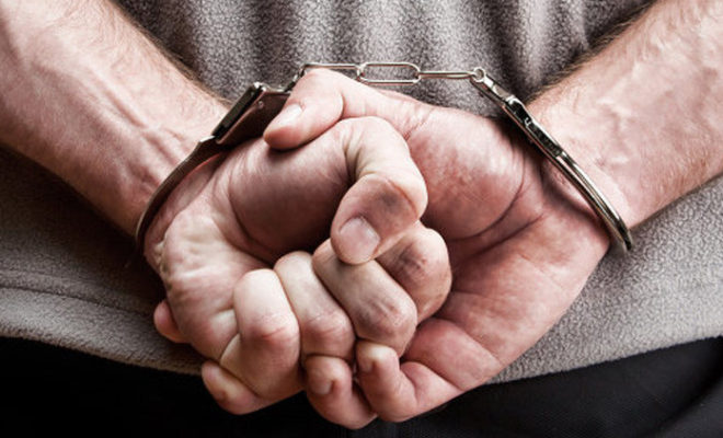 مكافحة المخدرات تقبض على أحد مروجي المخدرات يلقب ب(أكشن)