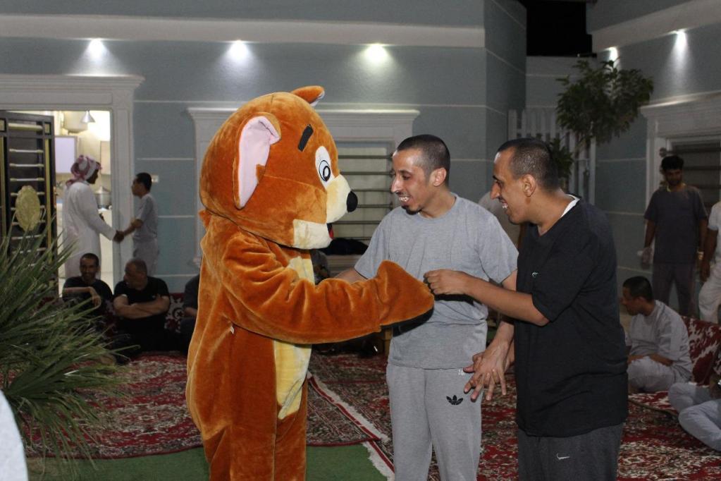 بالشراكة مع ثانوية عمرو بن العاص بالشرافاء  التأهيل الشامل بمحافظة وادي الدواسر يقيم برنامجاً ترفيهياً لنزلاء المركز