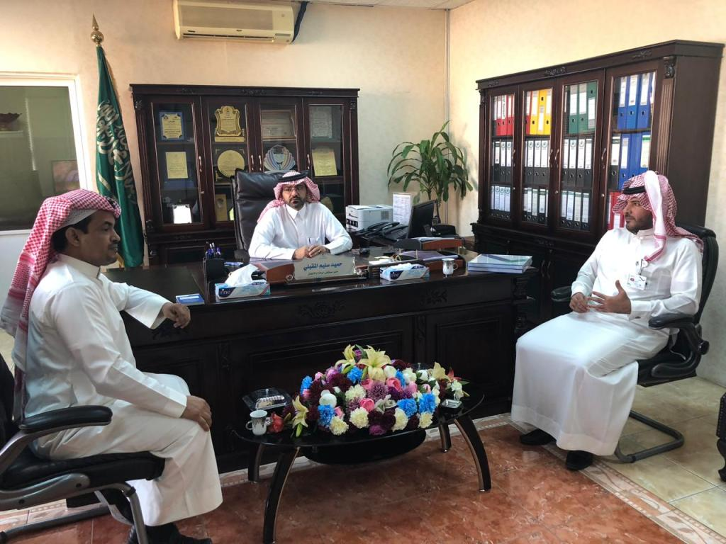 """"""" المقبلي """" يلتقي مدير فرع الهيئة السعودية للتخصصات الصحية بتبوك"""