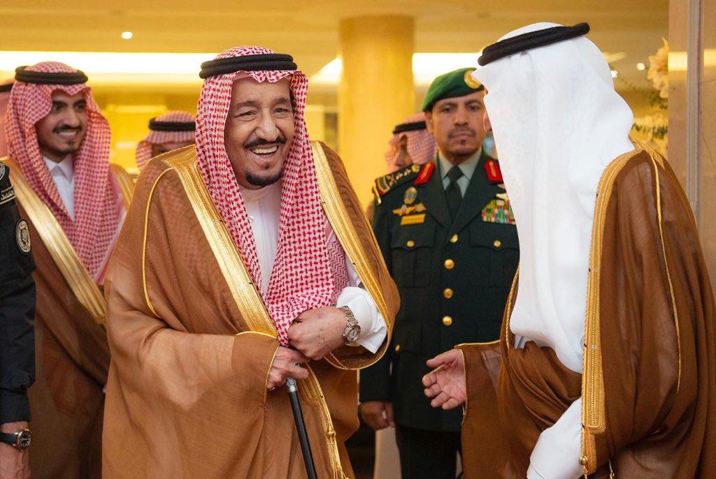 خادم الحرمين الشريفين يصل إلى مكة المكرمة لقضاء العشر الآواخر بجوار بيت الله الحرام
