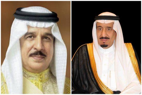خادم الحرمين الشريفين يوجه الدعوة إلى ملك البحرين لحضور القمة الخليجية