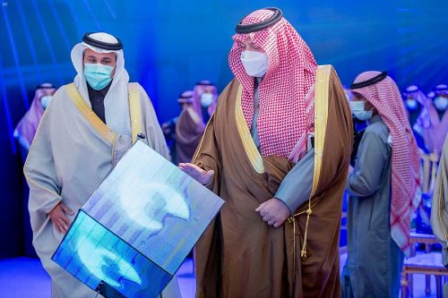 أمير الحدود الشمالية يدشن مطار عرعر الجديد